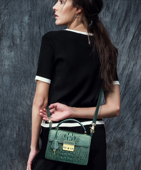Timeless Crocodile Leather Handbag-Exhibition