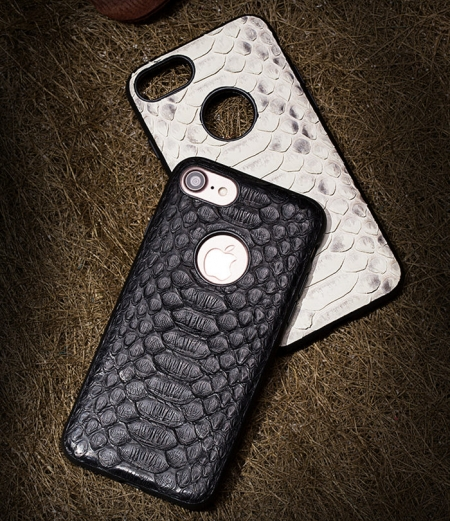 Snakeskin iPhone 7 / iPhone 8 Case-Exhibition