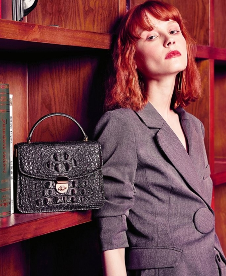 Designer Crocodile Purses Cross Body Handbags-Black-Display