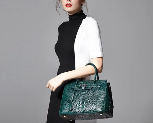 crocodile purse is luxury accessories for women