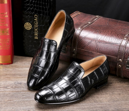 Handcrafted Men's Alligator Skin Slip-on Loafers Classic Business Shoes-Display