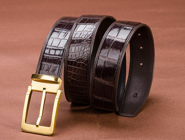 BRUCEGAO's crocodile belt can be a Stylish gift for him